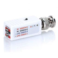 Миниатюрный активный передатчик TA-C/2 видео сигнала по витой паре до 1500м (ч/б — до 2400м). Работает в паре с RA-C/2. Вход : 1 видео под BNC; выход : 4 клеммы ( 2 для питания  + 2 для передачи видеосигнала через UTP СAT 5e).