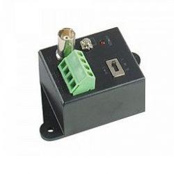 Передатчик TTA111VT видео сигнала по витой паре на 2400 м.(в паре с TTA111VR),  1 видео вход BNC, выход под клеммы на витую пару , 3 уровня усиления, защита от скачков напряжения, заземление, блок питания AC220V/DC12V